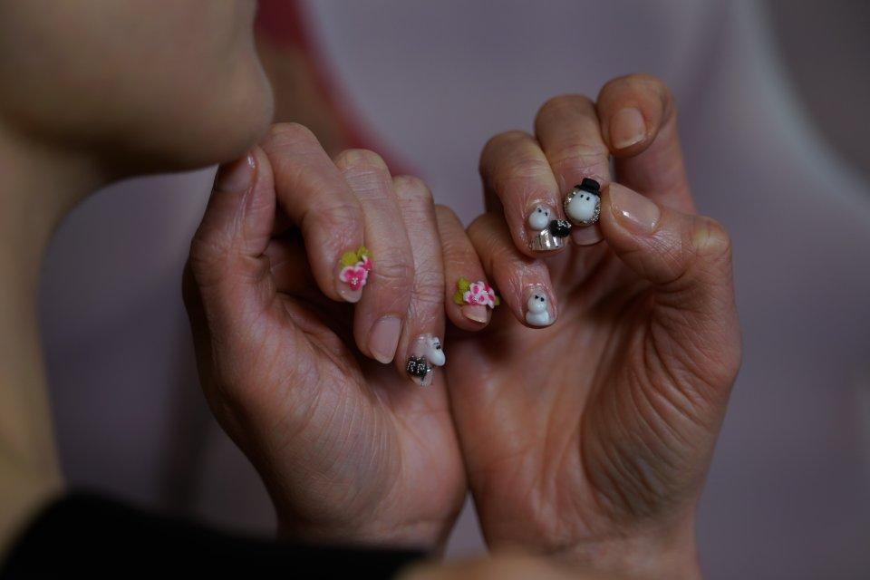 Moominvalley Rosamund Pike Nails Closeup
