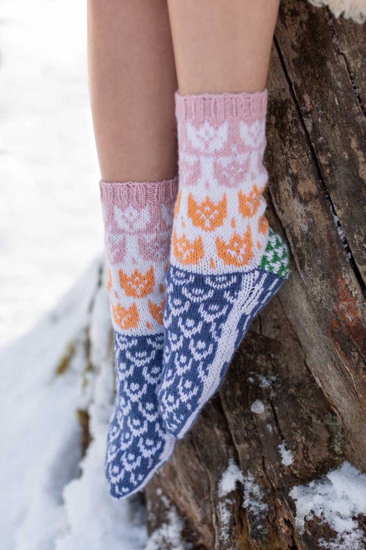 Moomin-x-Novita-Wool-Socks-Rose-and-Orange