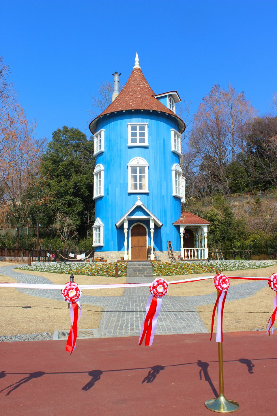 Moominvalley-Park-Japan-Hanno-Opening-Moominhouse-Ribbons