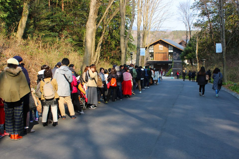 Moominvalley-Park-Japan-Hanno-Opening-Queue