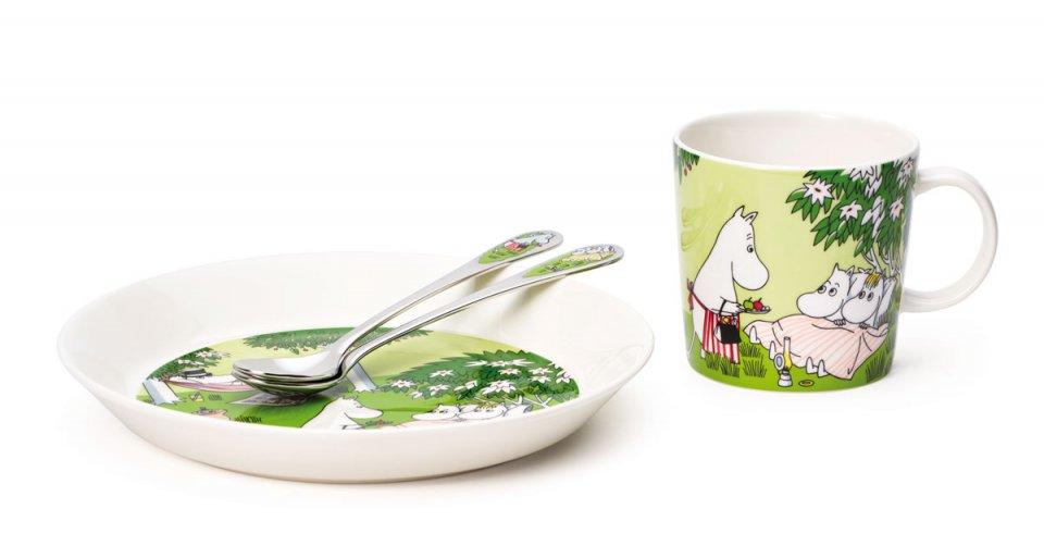 Moomin-plate-19cm-mug-0,3L-long-spoon-Relaxing-group