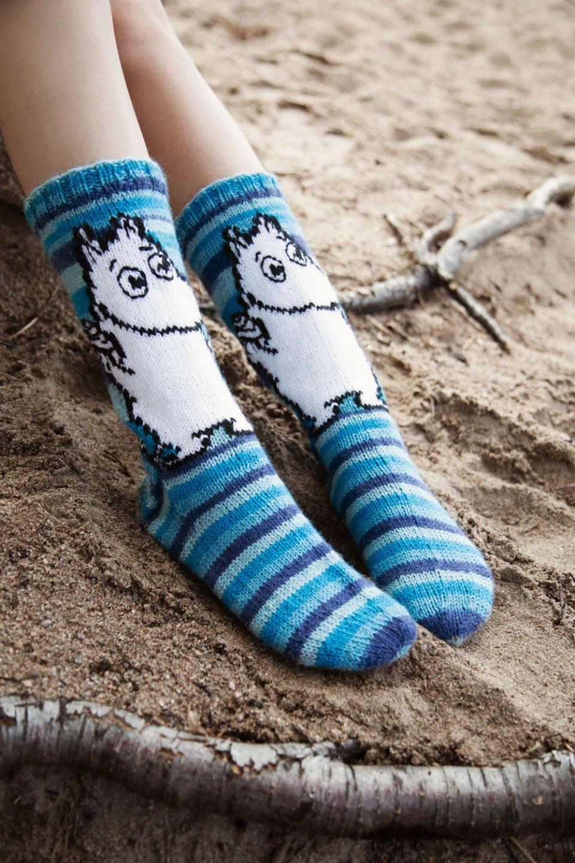 Moomin_Novita_OURSEA_garn_socks_moomintroll_Majakkasaari