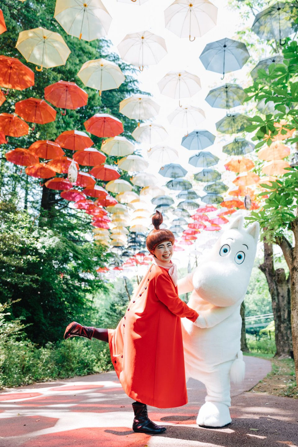 Moominvalley_Park_Umbrella_Sky_Hug_Hanno_Japan_Hanno_Moomintroll_Little_My