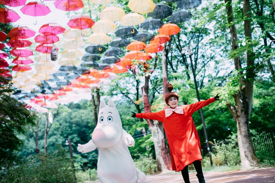 Moominvalley_Park_Umbrella_Sky_Japan_Hanno_Moomintroll_Little_My
