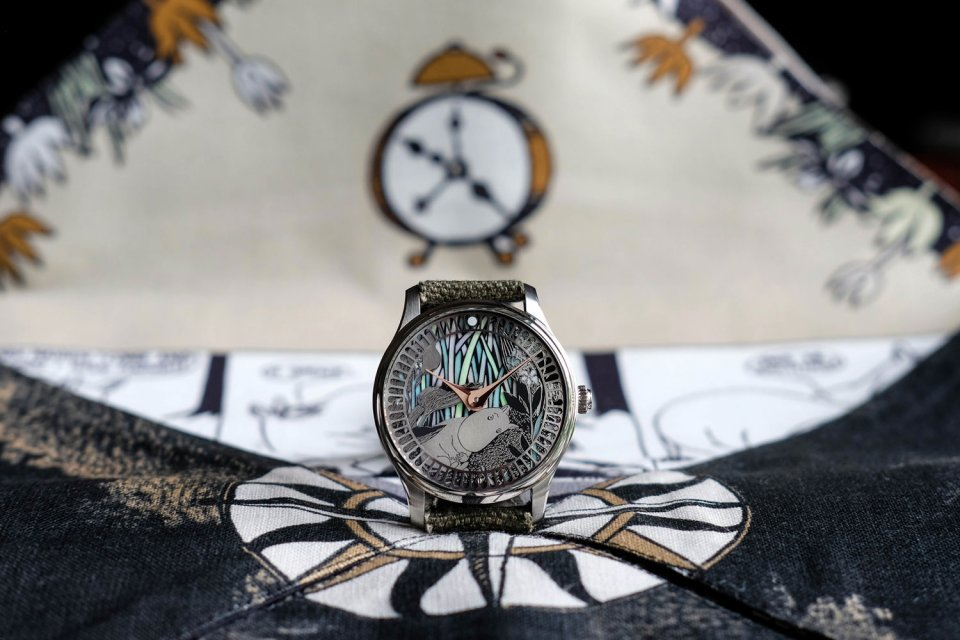 Sarpaneva_x_Moomin_75_Close_up_Frontside