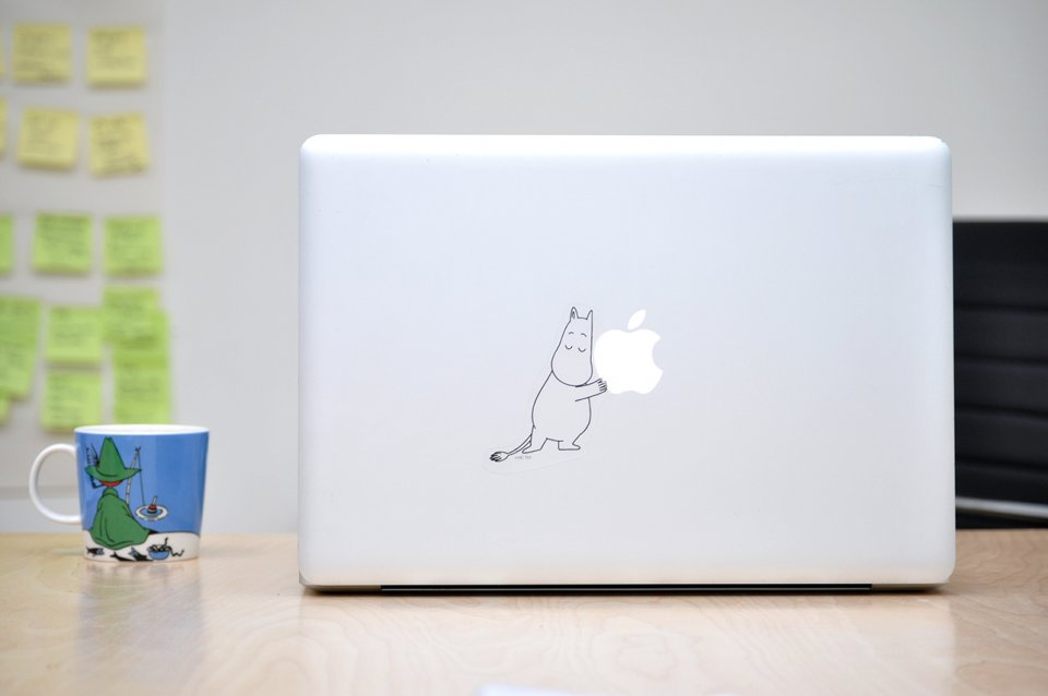 moomintroll-laptop-sticker